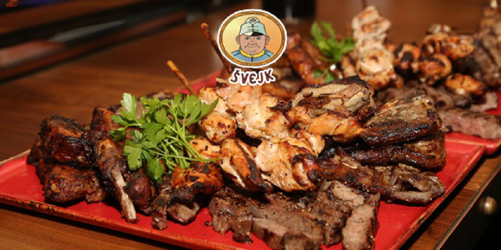 Švejkova bašta: vepřové a kuřecí steaky s přílohou