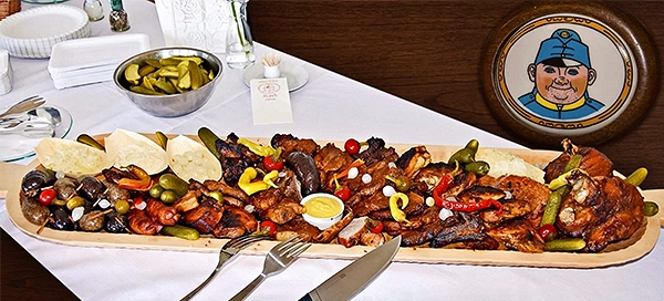 Švejkovo koryto pro 4 až 6 lidí – 2200g masa
