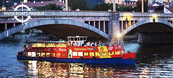 Zimní či jarní plavba lodí po Vltavě pro 1 osobu