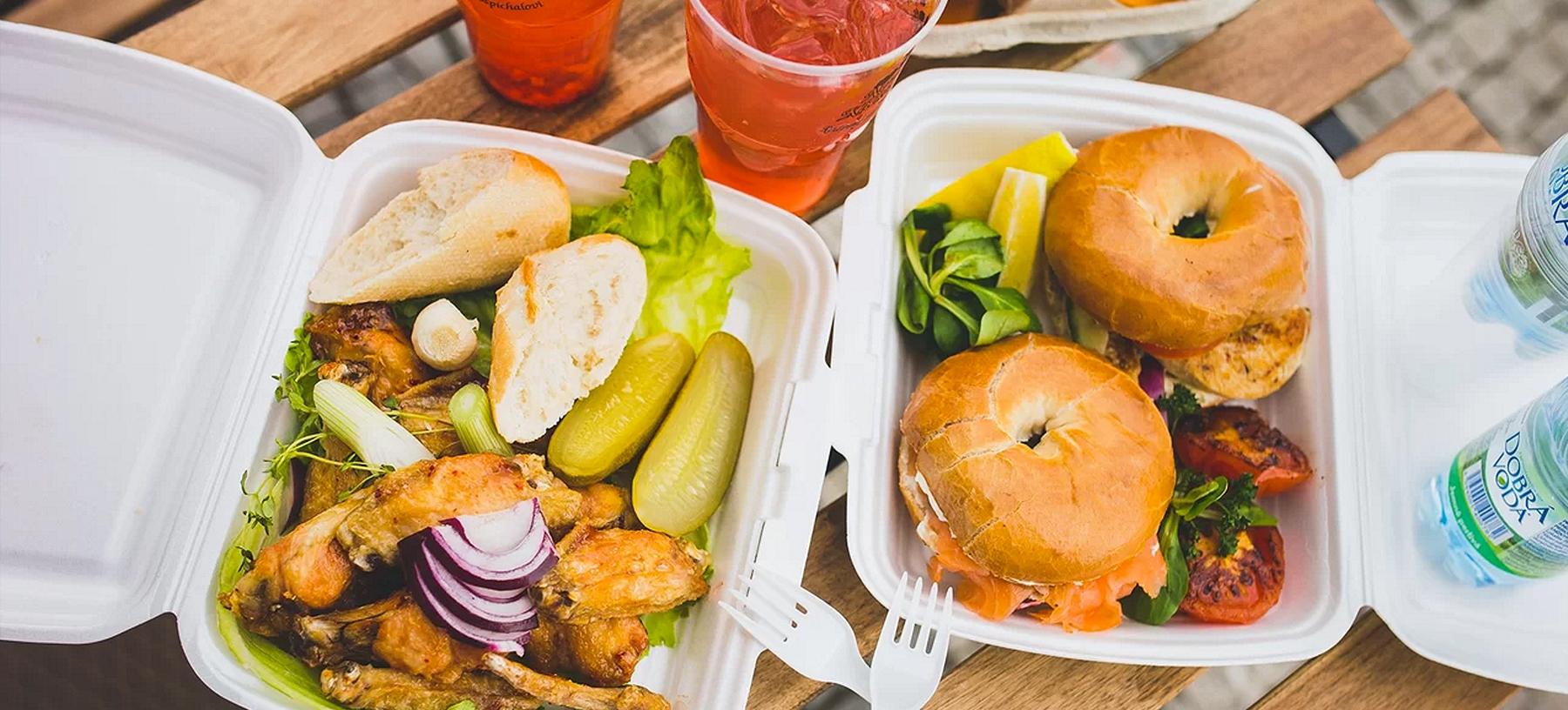 Piknik na náplavce – kuřecí křídla nebo bagely