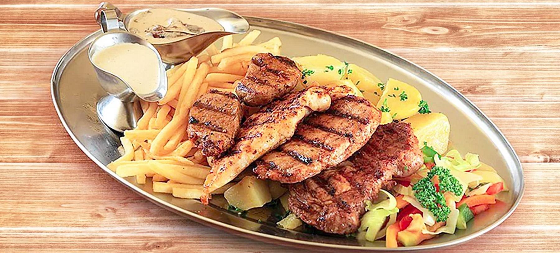 Steakový mixgrill pro 2 osoby vč. příloh a omáček