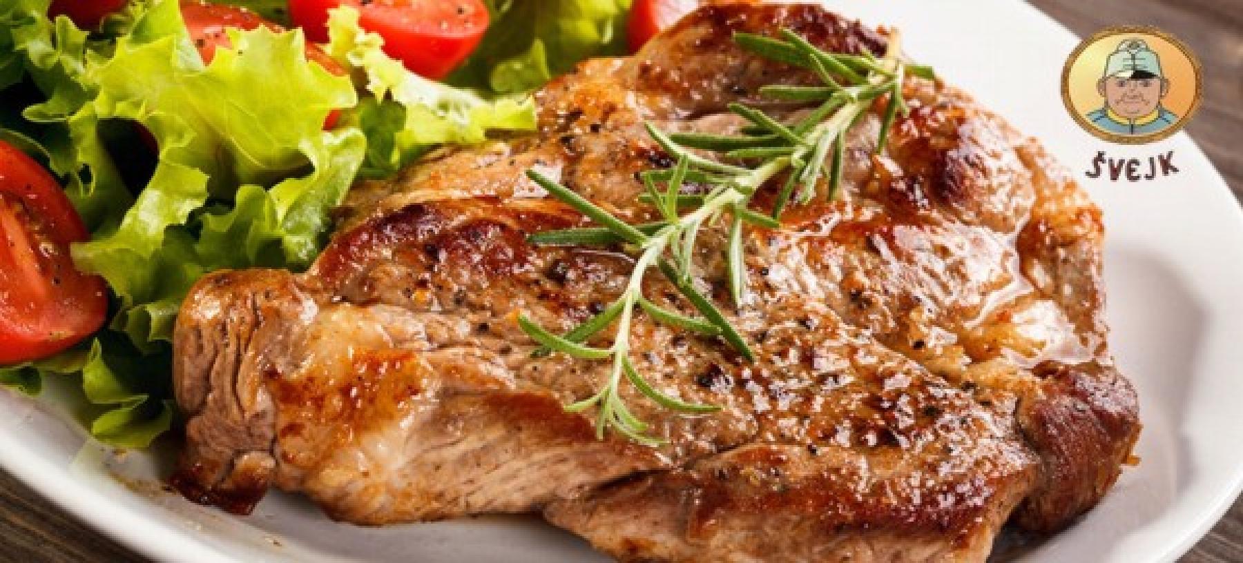 Mix steaků pro dva, farmářské brambory a štrúdl