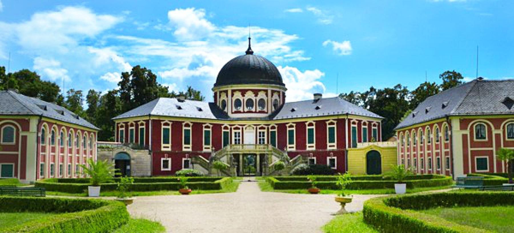 Ubytování na zámku Veltrusy pro 2 osoby