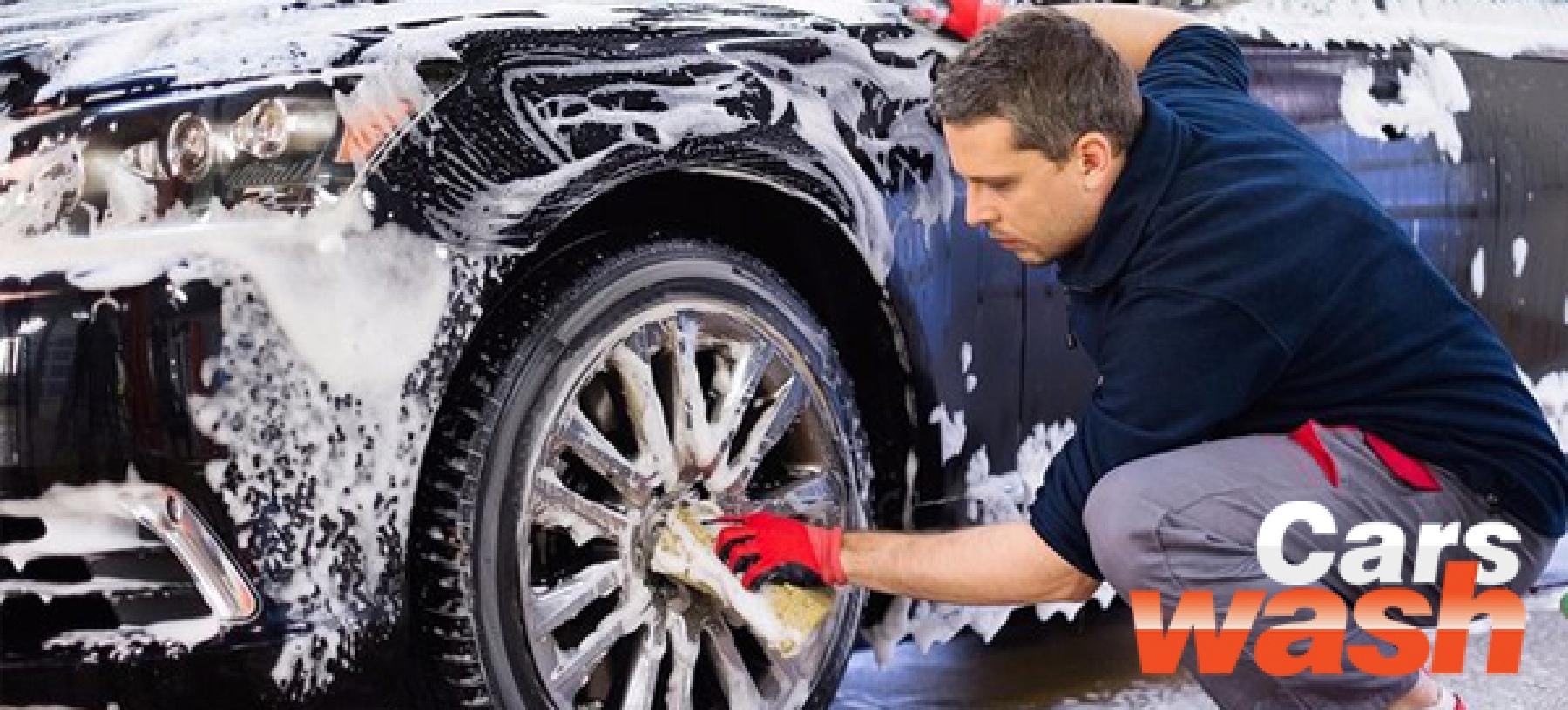 Kompletní ruční mytí vozu včetně tepování